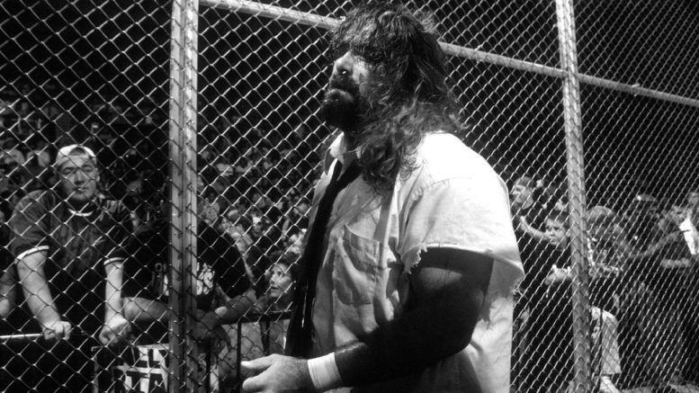 mankind_vs_the_undertaker_hell_in_a_cell_match_king_of_the_ring_1998_28